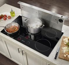 The Dacor Renaissance Induction Cooktop has a clean design and advanced features.