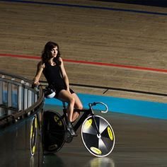 Picture of Victoria Pendleton Track Cycling, Cycling Girls, Red Bull Media House, Victoria Pendleton, Pro Bike, Female Cyclist, Cycle Chic, Bicycle Girl, Bike Style