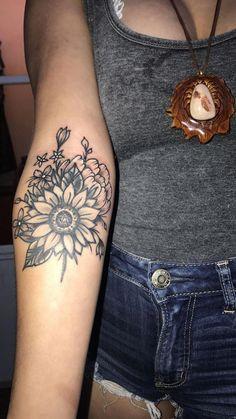 Sunflower Tattoo // Wildflower Tattoo // Girl Tattoo - Great Tattoos For Girls - Tattoo Cover, Mädchen Tattoo, Bad Tattoos, Forearm Tattoos, Body Art Tattoos, Small Tattoos, Tattoos For Guys, Sleeve Tattoos, Tattoos For Women