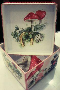 Κουτί χάρτινο ιδανικό να το προσφέρετε γεμάτο λιχουδιές για τις γιορτές 🎉🎉🎉