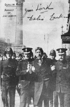 The RIC and Dublin Metropolitan Police arresting trade union organiser James Larkin during the 1913 Dublin Lockout. Larkin had disguised him. Ireland 1916, Dublin Ireland, Ireland Travel, Dublin Street, Dublin City, Irish Independence, Easter Rising, Scotland History, Photo Engraving