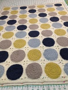 Retro Circles Blanket - Free Pattern