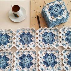 Nem Érhető El Leírás A Fényképhez. Crochet Stitches Free, Granny Square Crochet Pattern, Crochet Squares, Crochet Motif, Knit Crochet, Granny Squares, Crochet Bedspread, Baby Afghan Crochet, Crochet Fabric