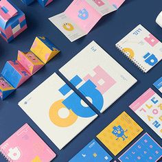 Basic colors and korean alphabet letters stand out well on flat surfaces. Logo Design Liebe, Museum Branding, Brand Identity Design, Brand Design, Stationary Design, Design System, Kids Logo, Printable Designs, Visual Identity