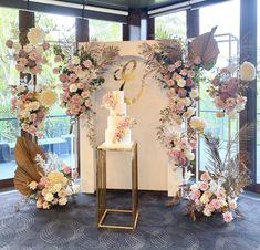 Wedding Stage Backdrop, Wedding Backdrop Design, Wedding Stage Decorations, Flower Backdrop, Bridal Shower Decorations, Fiesta Decorations, Backdrop Decorations, Flower Decorations, Blush Bridal Showers