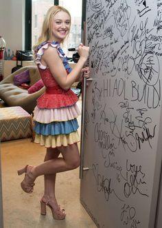 Dakota Fanning At Aol Build Studio In New York - October 2016 - StalkCelebs Ellie Fanning, Fanning Sisters, Dakota And Elle Fanning, Celebrity Outfits, Celebrity Style, New York October, October 20, Bollywood, Blonde Actresses