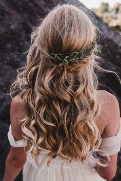 romantic wavy bridal hair