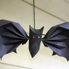 Halloween TP Roll Bat {Halloween Kids Crafts}