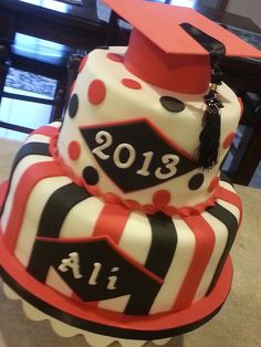 Graduation - Graduation cake 2013.