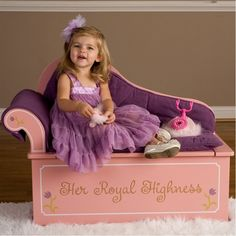 How adorable is this seat?! #princess #toddler #giftguide
