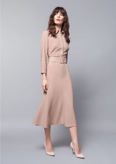 business attire for women Office Fashion, Work Fashion, Modest Fashion, Fashion Dresses, Fashion Design, Gothic Fashion, Business Outfit Damen, Business Attire, Dress Skirt