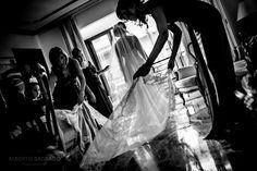 #Wedding #Photographers in #Alicante #Spain. Restaurante La Cantera. #Basilica de Santa María. #Fotos de #Bodas en el Restaurante La #Cantera de Alicante y la #Basílica de Santa María, #bodas con vistas al #mar y al #castillo de Santa Barbara. Enjoy!