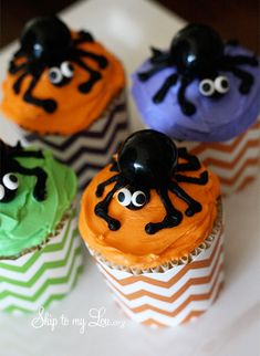 "Fun Gum Ball Spider Halloween Cupcakes   I would not use a gum ball on these tho..because of the ""choking "" factor BUT instead use a black jelly bean. Unless you know the age of the kids that will be eating them etc."