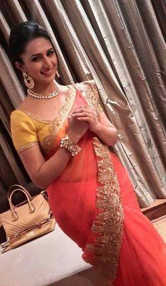 Indian Tv Actress, Indian Actresses, Most Beautiful Indian Actress, Beautiful Actresses, Divyanka Tripathi Saree, Stylish Sarees, Sexy Hips, Wedding Hairstyles For Long Hair, Party Wear Sarees