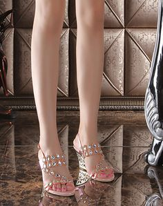 Check the details and price of this Chunky Heel Sandals Blue Diamond Studded Slingback Open Toe (Blue, G·Sharrow) and buy it online. VIPme.com offers high-quality Sandals at affordable price.