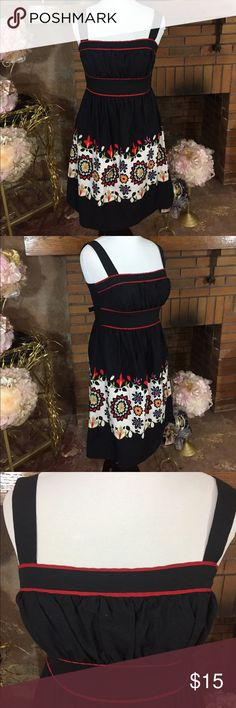 Speechless black dress sz 13 Speechless black dress with floral design. Zips in back with a belt that ties. Sz 13, 39in bust and 33in waist. Like new condition. Please check out all pictures for best description of the items. Ask me any questions and happy shopping. Speechless Dresses Mini