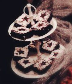 Appelsiinibrowniet #brownies #appelsiini #leivonta My Recipes, Tiramisu, Birthday Candles, Cooking, Ethnic Recipes, Food, Kitchen, Cuisine, Koken