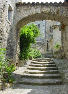 Dorfidyll in der Drôme: Mirmande | BLEU, BLANC, ROUGE