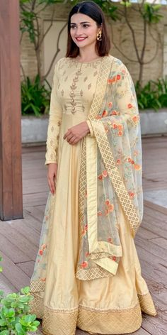 Photo shared by PRACHI DESAI on October 2019 tagging and Image may contain: one or more people and people standing Red Lehenga, Party Wear Lehenga, Bridal Lehenga, Lehenga Choli, Saree, Bollywood Outfits, Bollywood Fashion, Bollywood Actress, Prachi Desai