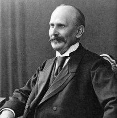 Rudolf Blaschka, about 1895. Image courtesy of The Botanical Museum, Harvard University, Cambridge, MA.