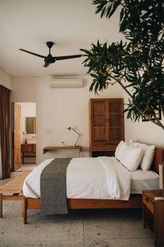 Bali Unterkünfte: Das waren unsere privaten Villen und Apartments in Canggu, Ubud und Uluwatu Source by fashiioncarpet Retro Home Decor, Cheap Home Decor, Luxury Homes Interior, Home Interior Design, Interior Plants, Home Bedroom, Bedroom Decor, Bali Bedroom, Ikea Bedroom