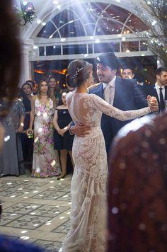Primeira dança ( Foto: Lauro Maeda )