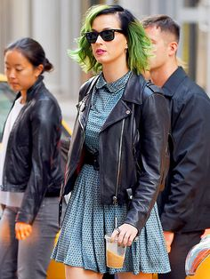 Leave it to Katy Perry to dye her tresses LIME GREEN! Topped off with classic wayfarer shades, her hair doesn't look too shabby!