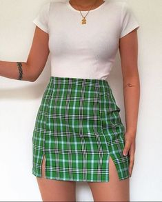 Likes, 46 Comments - Daily Outfits Teen Fashion Outfits, Mode Outfits, Retro Outfits, Girly Outfits, Cute Casual Outfits, Look Fashion, 90s Fashion, Vintage Outfits, Cute Outfits With Skirts