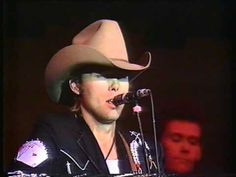 Can't You Hear Me Calling - Dwight Yoakam - Live in concert 1986 UK