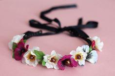 DIY: Blumenkranz // Flower hairband via blog.dawanda.com