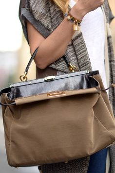 Amo los bolsos XL.