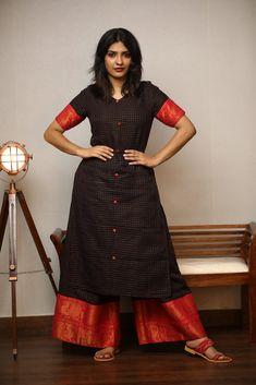 Long Gown Dress, Sari Dress, The Dress, Sari Blouse, Long Dress Design, Stylish Dress Designs, Stylish Dresses, Kurti Neck Designs, Kurti Designs Party Wear