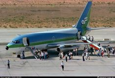 Air Florida Boeing taking on passengers at Faro-International, Operating on seasonal lease for Transavia. Midway Airlines, Airplane Photography, Boeing Aircraft, Commercial Aircraft, Air Travel, Airports, Spacecraft, Airplanes, Florida