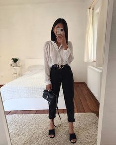 1 or Tell me your favorite office look & I'll be showing up at work like that tomorrow 😂 Anzeige Source by villeanka Fashion outfits Cute Casual Outfits, Simple Outfits, Stylish Outfits, Simple Office Outfit, Casual Attire, Winter Fashion Outfits, Spring Outfits, Teenage Outfits, Outfits Damen