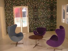 """""""Anemone-Green"""" wallpaper, Blue Sky Egg™, Purple Swan™ and Egg™ with Arne Jacobsen/Piet Hein/Bruno Mathsson A222 lounge table from Fritz Hansen which will be available early 2012."""