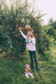Barefoot Blonde Amber Fillerup Apple Picking with her Family