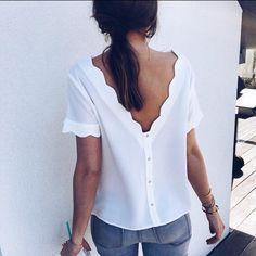"""22054c26f61 La blouse Garance revient CE SOIR À 20 00 sur le site ✓️Réassort de CE  MARDI   Combinaison Marius   robe Elsa   Robe Lyne   Top…"""""""