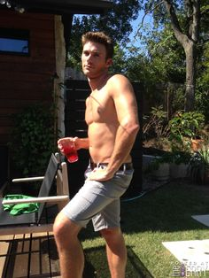 Scott Eastwood At theBERRY : theBERRY