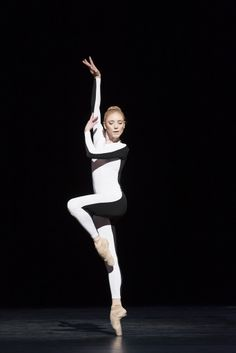 """Sarah Lamb in """"Tetractys, The Art of Fugue"""", The Royal Ballet - Photographer Johan Persson/ROH, 2014"""