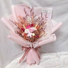 Pink Flower Bouquet, Pink Flowers, Dried Flower Arrangements, Dried Flowers, Preserved Flowers, How To Preserve Flowers, Kisses, Gift Wrapping, Boutique