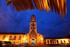 Plaza de Bolívar y su Iglesia Principal en Salento, Quindio