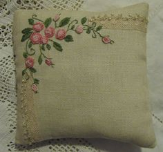 this gives me an idea...make mini pillows from vintage hankies