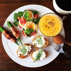 Edamame Cream cheese Dip, Carrot soup. 人参のポタージュ、枝豆とクリームチーズのディップ。…