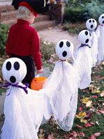 Home, Spooky Home: Boo!  All the fright stuff you will need to makeover your home this Halloween. Friendly Ghosts (via Parents.com)
