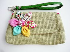 love the jute, the handle & the flower!