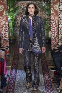 Roberto Cavalli ready-to-wear spring/summer '17 - Vogue Australia