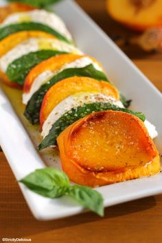 Move over tomatoes! Tender, juicy peaches are layered with creamy mozzarella and fresh basil for a fun twist on a summer classic. Vegetable Salad, Vegetable Dishes, Healthy Salad Recipes, Vegetarian Recipes, Tomato Allergy, Summertime Salads, Summer Dishes, Creamy Cheese, Fruits And Veggies