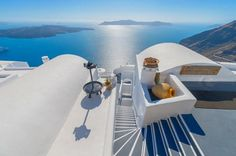 9-Night Romantic Private Tour of Athens, Santorini and Peloponnese Coast  Your dream journey begins. You do not need to be an enlightenment writer or a witty philosopher to understand how love works. The secret is to step out of your comfort zone. Into what? An ultimate romantic getaway in Greece with your loved one. Walk through the beautifully maintained ruins in Athens, cruise through the unspoiled Peloponnese coastline and see the world' s most famous sunset in Santorini. ...