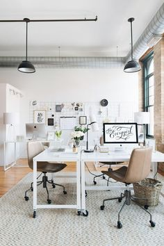 This unique home office layout is surely an inspiring and spectacular idea Home Office Space, Office Workspace, Home Office Desks, Desk Space, Office With Two Desks, Ikea Office, Office Spaces, Work Spaces, Sweet Home