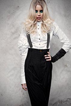 präsentiert von www.my-hair-and-me.de #women #hair #haare #long #lang #blonde #blond #white #outfit #black